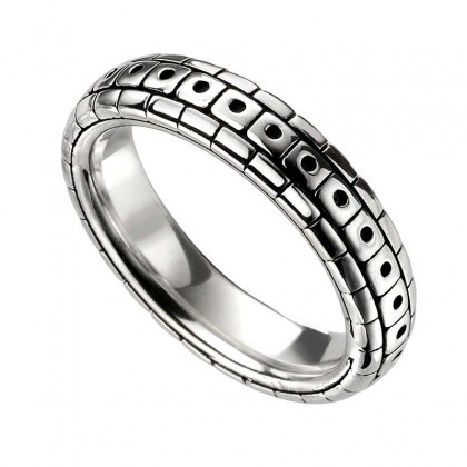 Sterling Silver Patterned Ring.