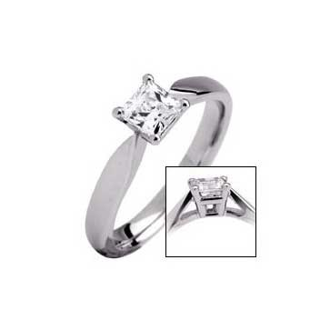 950 Platinum Princess Cut 0.3ct Diamond Solitaire Ring